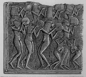 Løsluppen dans og musikk var vanlig i Egypt ved feiringer. Dette var det israelittene kjente til.
