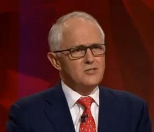 Statsminister Malcolm Turnbull mener at alle australiere bør lese den statlige kommisjonens rapport som kom ut 9 mars.
