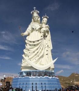 Mariastatue til 1,2 millioner dollar, i det fattige Bolivia.