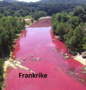 C 48 A-River-in-France-turned-completely-Red-1